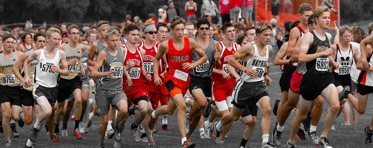 Cross Country Boys running in a pack