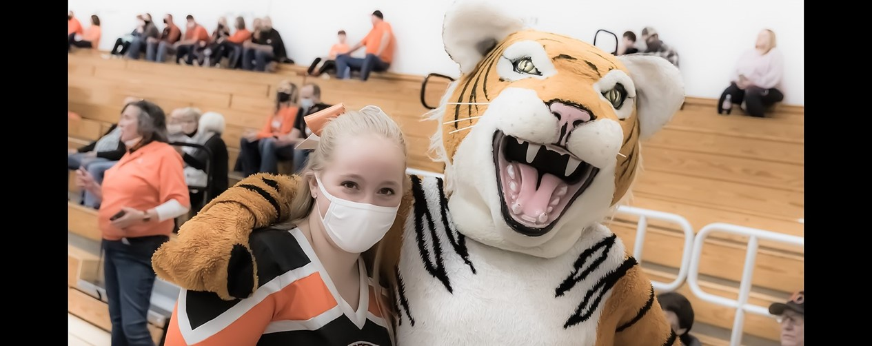 Cheerleader with Thundercat