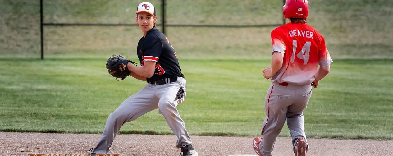 boys baseball double play